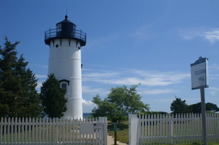 east-chop-lighthouse-01