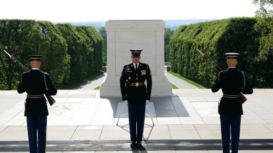 Changing of the guards, arlington national cemetary